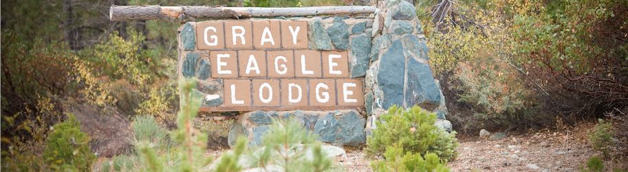 gray-eagle-lodge-sign